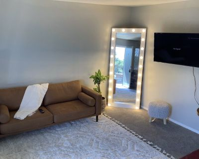 Comfy & relax 1 Bedroom with Queen bed, Come stay. - Northeast Heights