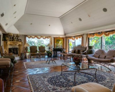 Gorgeous Calabasas Home - Ideal for Reality Show/Filming, Calabasas, CA