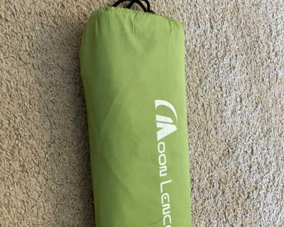 Twin size inflatable camping mattress and case