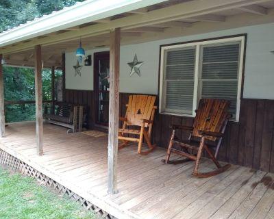 South River Cottage - Rockdale County