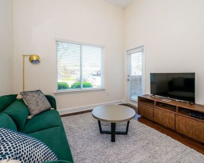 Viagem 1BR in Plaza Midwood Gym and Parking - Commonwealth
