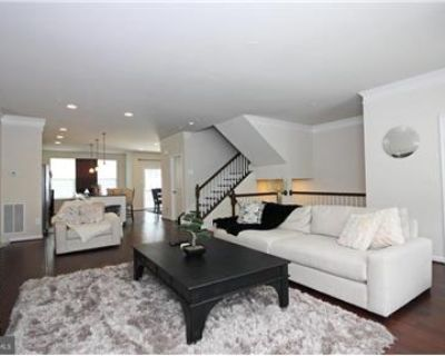 OPEN HOUSE for this Beautiful Town Home