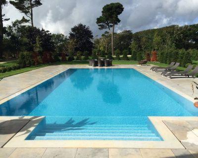 Full Time Swimming Pool/Spa Technician