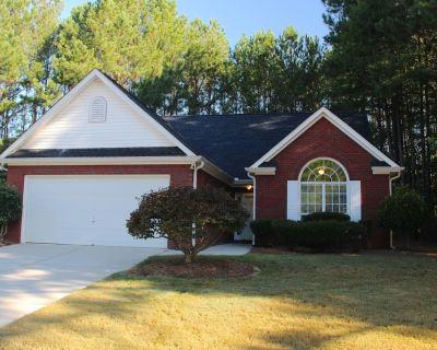 Modern, open floor-plan, high ceilings - Fayetteville