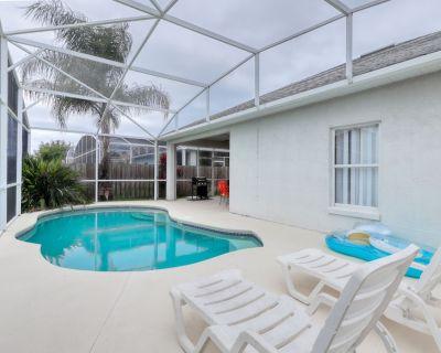 10 miles to Disney; private pool, quiet neighborhood! Snowbirds welcome! - Esprit