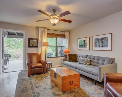 Luxurious, Exquisitely Furnished, Catalina Foothills 2 Bedroom Condo, 3 Pools - Catalina Foothills