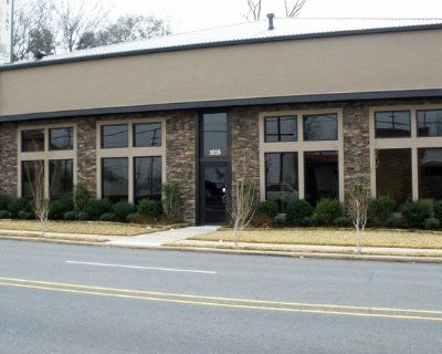 Retail / Showroom / Warehouse Space for Lease