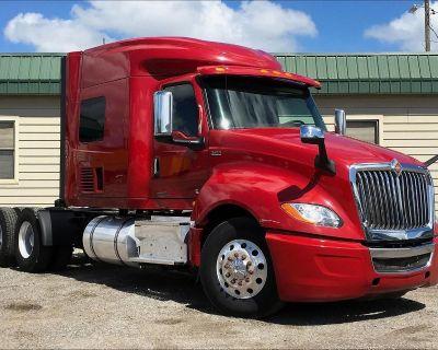 2018 INTERNATIONAL LT625 Sleeper Trucks Truck