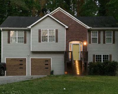 5 Bdrm Modern Oasis w/Pool & Basketball - 5 mins to downtown ATL! - Collier Heights