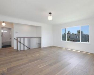 S Bronson Ave, Los Angeles, CA 90018 2 Bedroom Condo