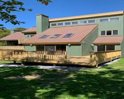 Killington Home, indoor Sauna, with mountain views, Vermont casting stove! - Killington
