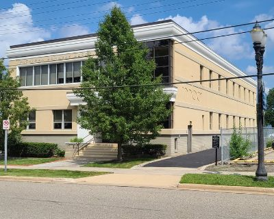 2,000-5,022 SF office space downtown, Grand Ave & Lenawee St