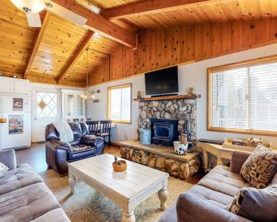 Dog-Friendly, Lakeview Home w/ a Private Hot Tub, Fireplaces, & Free WiFi - Big Bear Lake