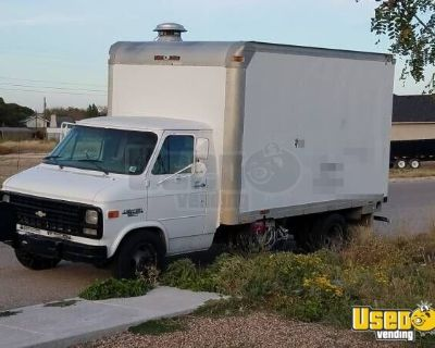 Used Chevrolet Van Classic Kitchen Food Truck / Mobile Food Unit