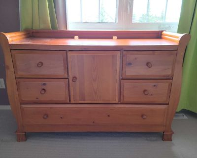 Solid wood diaper change table