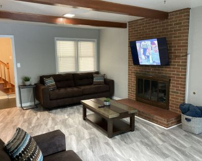 Brand New in Grandview! 2 Miles From Buckroe Beach, Perfect for Families! - Buckroe Beach