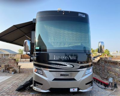 2019 Newmar London Aire 4576