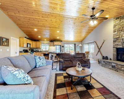Dog-friendly Home w/ a Game Room, Fast Wifi, Private Hot Tub, & Great Location! - Big Bear City