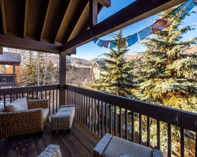Ultimate Park City Convenience: Private Hot Tub, Real Wood Fire. - Park City