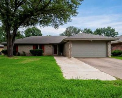 5704 Arbor Valley Dr, Arlington, TX 76016 3 Bedroom Apartment