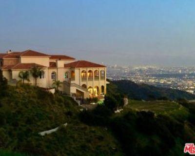 2462 Solar Dr, Los Angeles, CA 90046 7 Bedroom Apartment