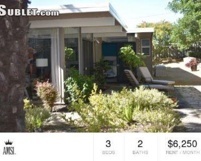 Three Bedroom In San Mateo