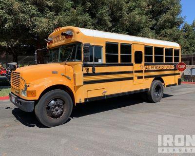 1999 International 3800 4x2 Passenger Bus