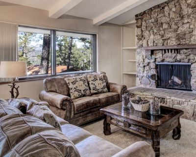 Secluded with great mountain charm, Soul of the Mountain is the perfect home bas - Ruidoso
