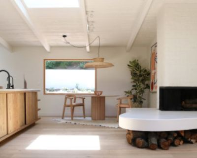 Hollywood Hills House newly Renovated with open plan., Los Angeles, CA