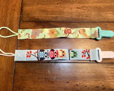 NWOT: Pair of Pacifier Clips