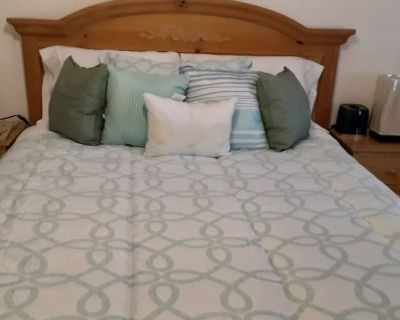Private room with own bathroom - Moreno Valley , CA 92551