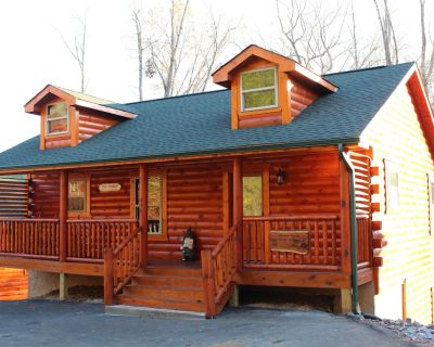 Brand new! Luxury, 2 bedroom cabin. Private but close to all the attractions! - Sevierville