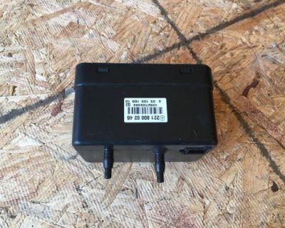 08 Mercedes W221 S550 S600 S63 Rear Trunk Vacuum Pump Box W216 Oem 2218000248