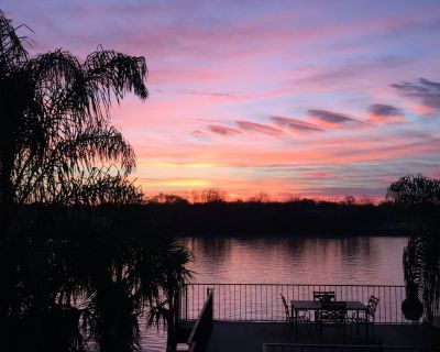 Bayou Life Lodging and Charter Fishing. Only 25 miles to the French Quarter. - Barataria