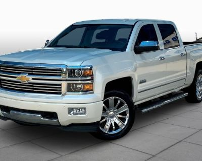 Pre-Owned 2015 Chevrolet Silverado 1500 Four Wheel Drive Short Bed - Offsite Location