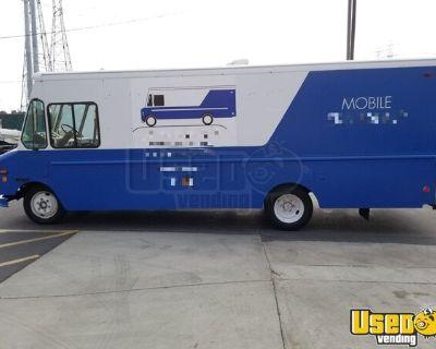Turnkey 26' Diesel Freightliner Mobile Skateboard and Apparel Retail Store