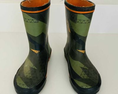 Rubber Rain Boots (Size 12 Youth)