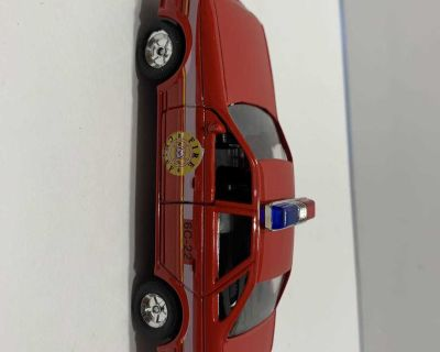 Fire Chief Car (pull back & release)