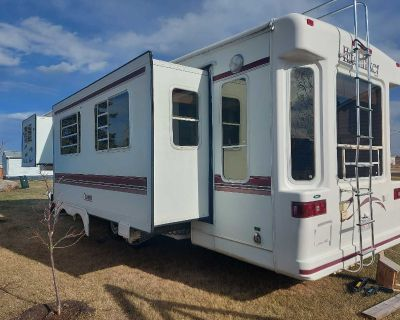 Hitchhiker fifth wheel camper