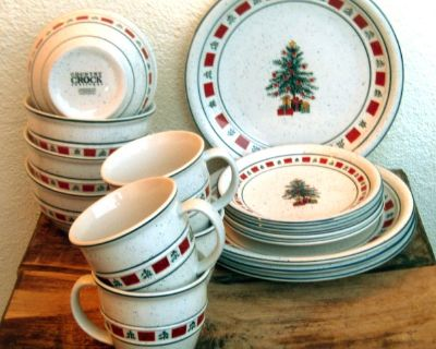 LOT 16 Tienshan COUNTRY CROCK CHRISTMAS dishes svc for 4 $150+