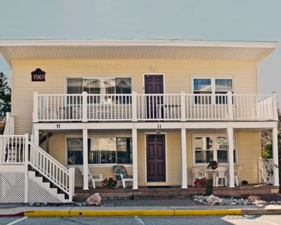 Classic Ocean Block Family-owned Upper Duplex 50 Yards From Guarded Beach - Midtown Ocean City