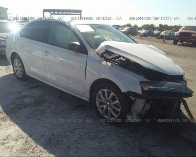 Salvage White 2015 Volkswagen Jetta Sedan