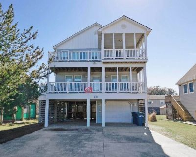 Enjoy partial ocean views from this tastefully decorated home in Nags Head. - Nags Head