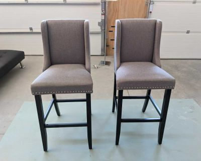 2 chairs, bar stools, pub chairs, Delivery