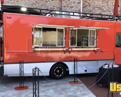 2003 GM Utilimaster Workhorse 29' Stepvan Kitchen Food Truck