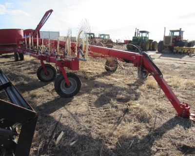 2013 Farm King RFKS18 18 Wheel Rake