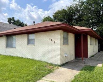 1913 Pine Tree Dr #A, Bryan, TX 77802 2 Bedroom Apartment