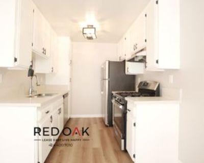 11817 Victory Blvd #201, Los Angeles, CA 91606 2 Bedroom Condo
