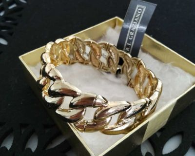 BEAUTIFUL GOLD HIGH QUALITY STRECHY BRACELET ON LINE THIS WEEKEND ONLY