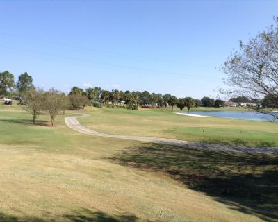 Beautiful Golf Resort 2BR/2Bath Patio Villa in the Heart of The Villages! - Chatham